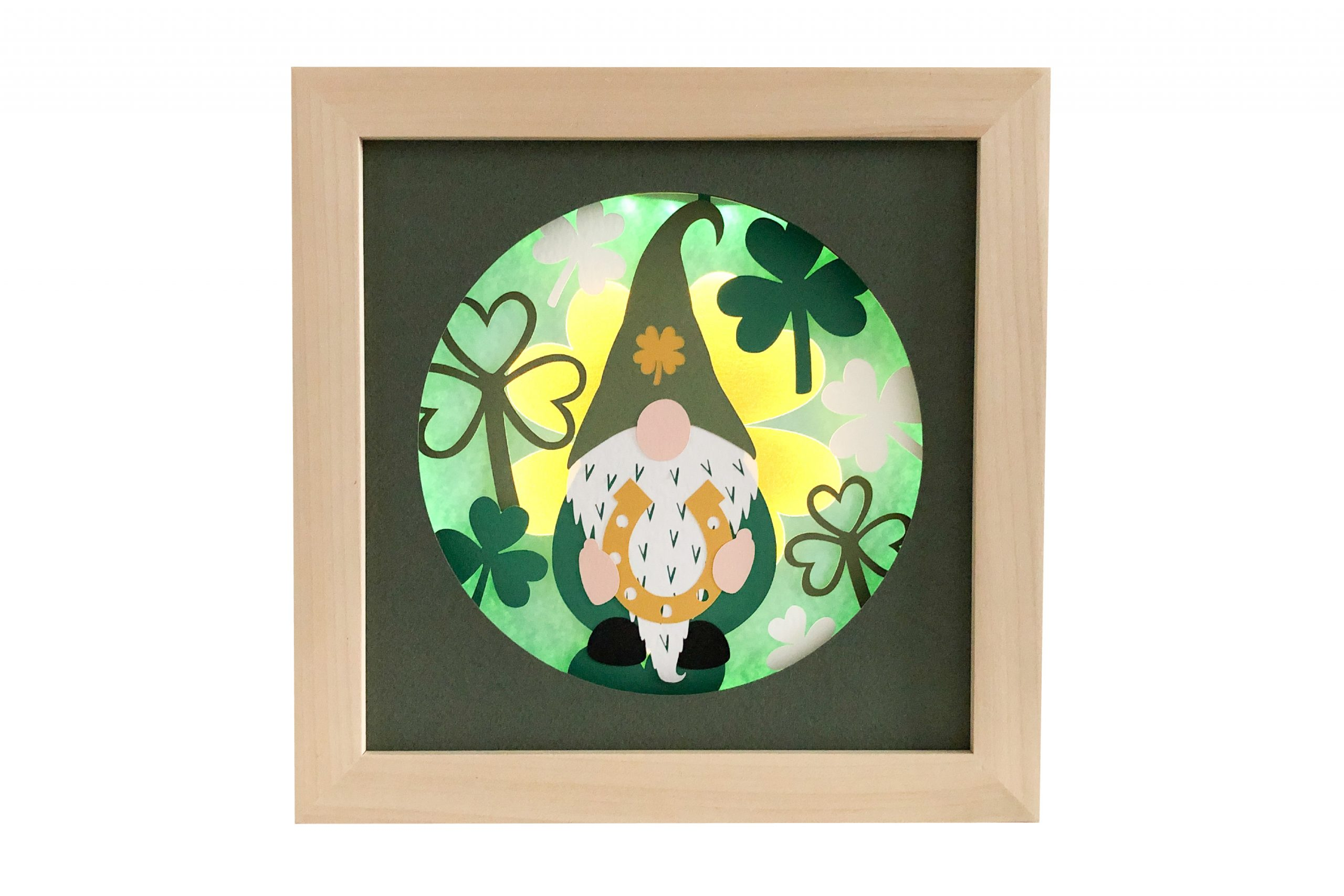 Photo of St Patrick's Day gnome shadow box template